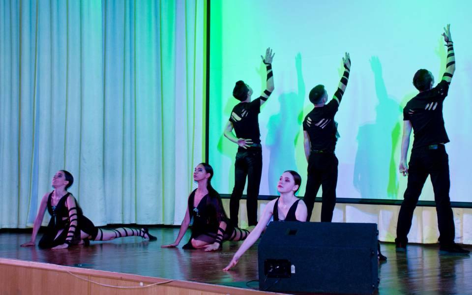 Номер танцевального коллектива ФСПО