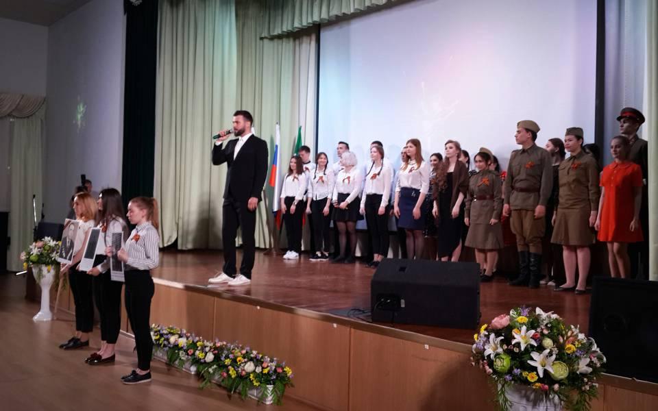 Участники праздничного концерта, организованного коДню Победы