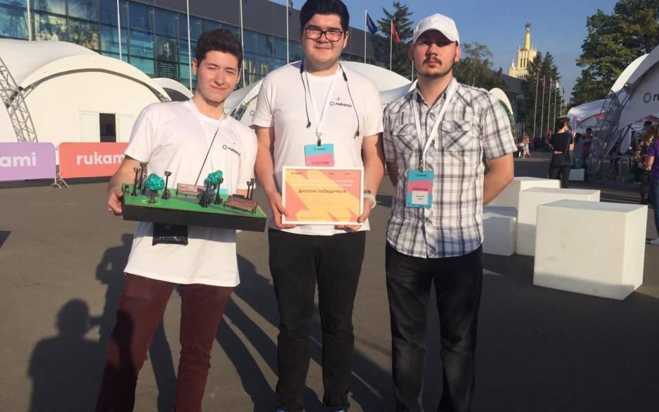 Айсар Мингазов иТимур Шаймухаметов— победители Всероссийского конкурса проектов технического творчества Rukami
