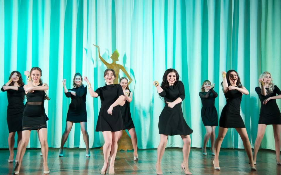 Танец участницы конкурса «Мисс иМистер «ТИСБИ»