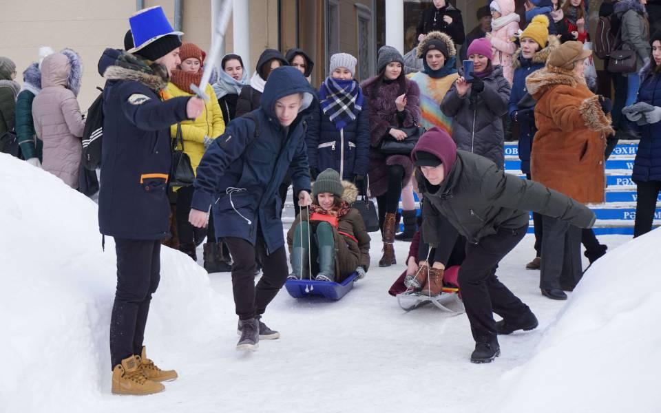 Зимние конкурсы, подготовленные студентами нашего университета коДню самоуправления