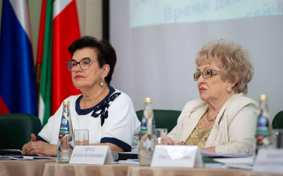 Нэлла Прусс иТамара Трофимова