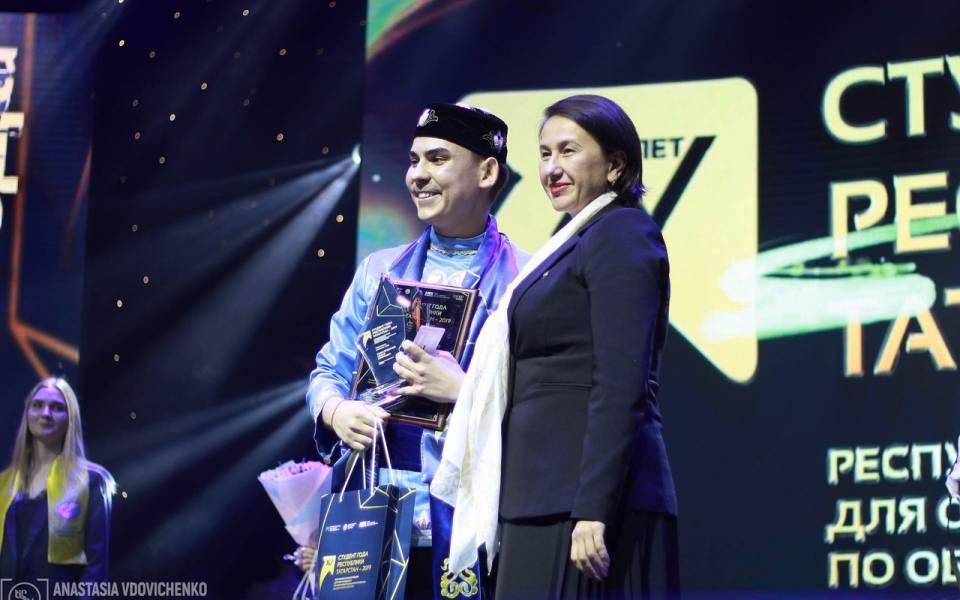 Победитель вноминации «Творческий личность года» Айдар Камалетдинов