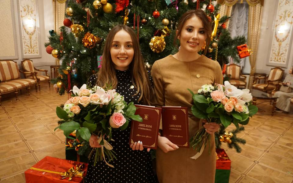 студентки ТИСБИ— обладательницы стипендии мэра