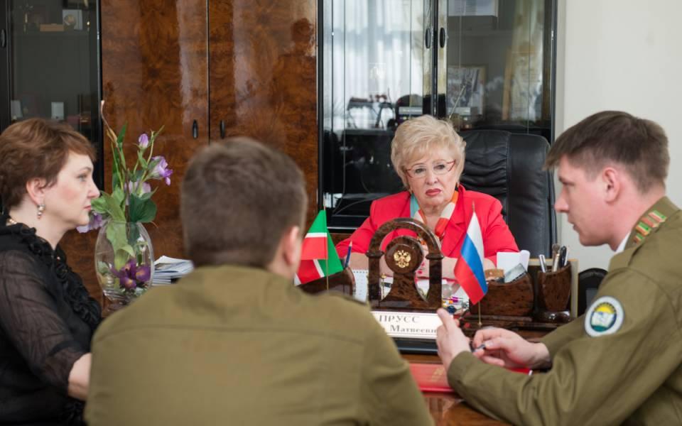 Нэлла Прусс, Наталья Аппалонова ипредставители Российских студотрядов