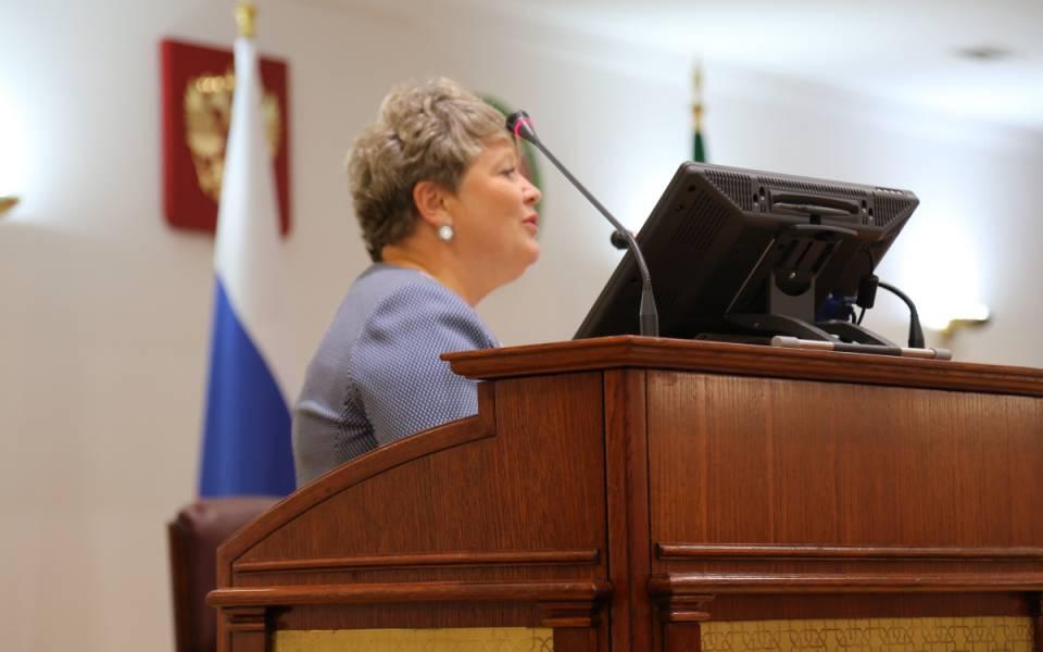 Эльвира Садыкова выступает навстрече туристских волонтёров