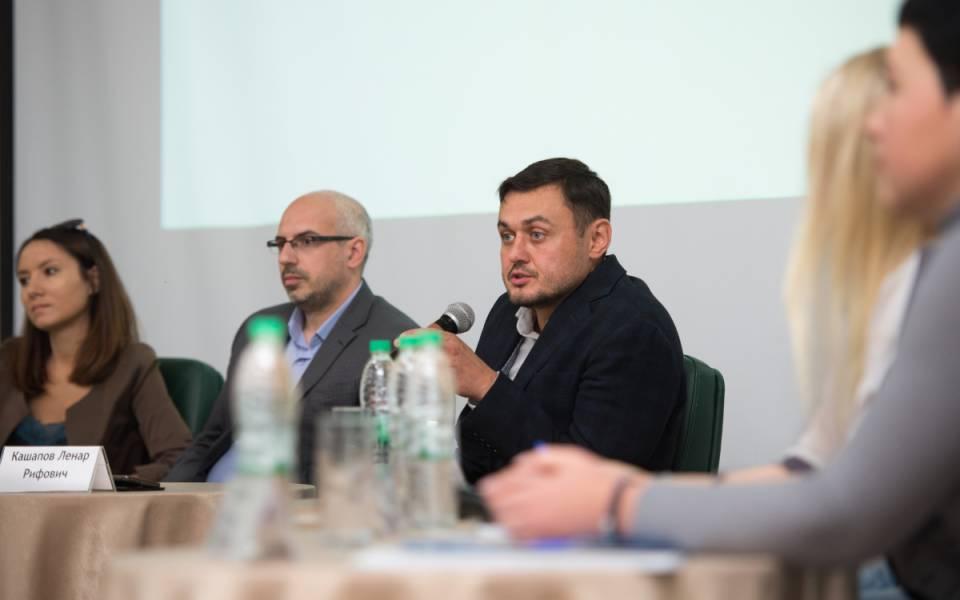 Тимур Файзулин — менеджер Федеральной программы «Ты — предприниматель» по РТ и Антон Дыганов — руководитель Центра инноваций социальной сферы