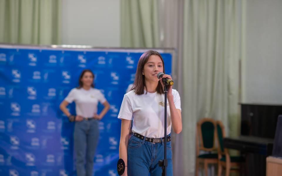 Студентка факультета управления Айгуль Гильфанова наочном этапе «Красы студенчества РТ— 2020»