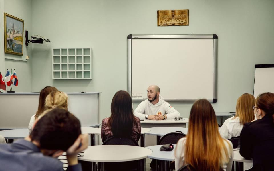 Встреча студентов гуманитарного факультета соснователем бренда «Камское море»